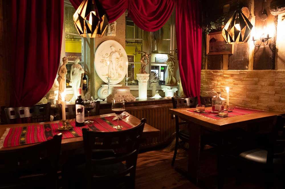 Gedeckter Tisch der Taverna